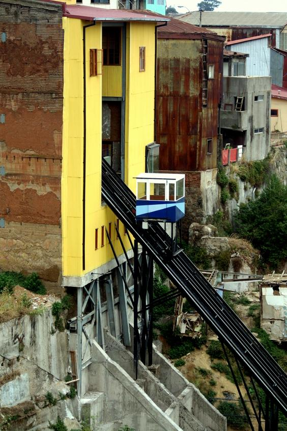 funicular-valparaiso.jpg