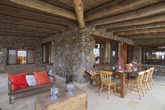 Eco-Luxury-Farmhouse_lanzarote.jpg