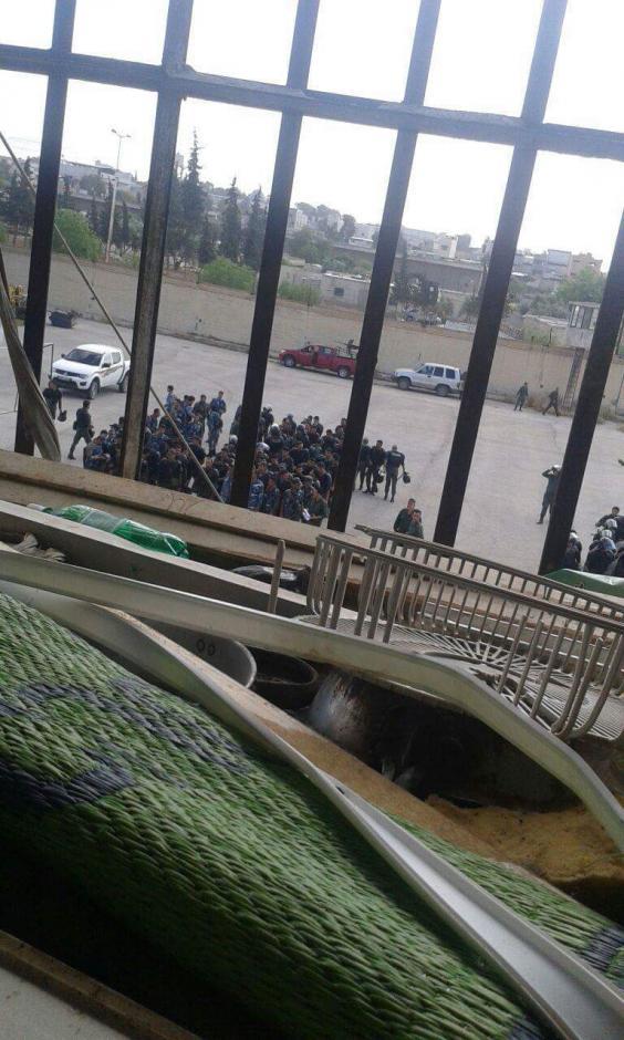 hama-prison-siege.jpg