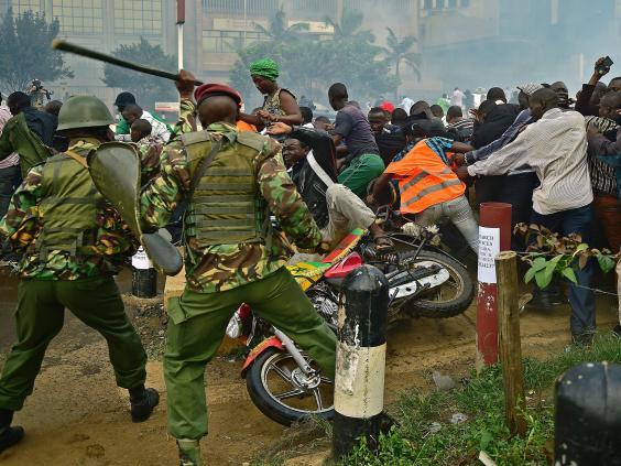 kenya-protests-police-10.jpg