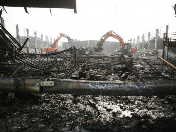 germany-burned-refugee-centre.jpg