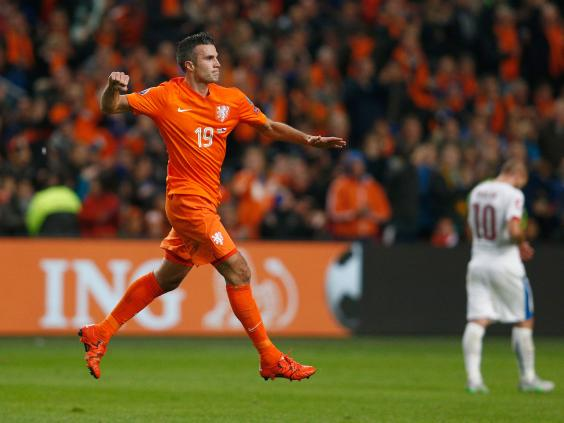 Arsenal transfer news robin van persie could be set for move back robin van persie in action for holland getty fandeluxe Document
