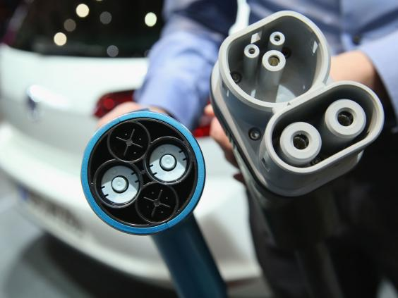electric-car-gettyimages-515552598.jpg