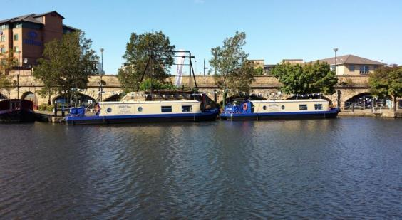 houseboat_hotels_ext.jpg