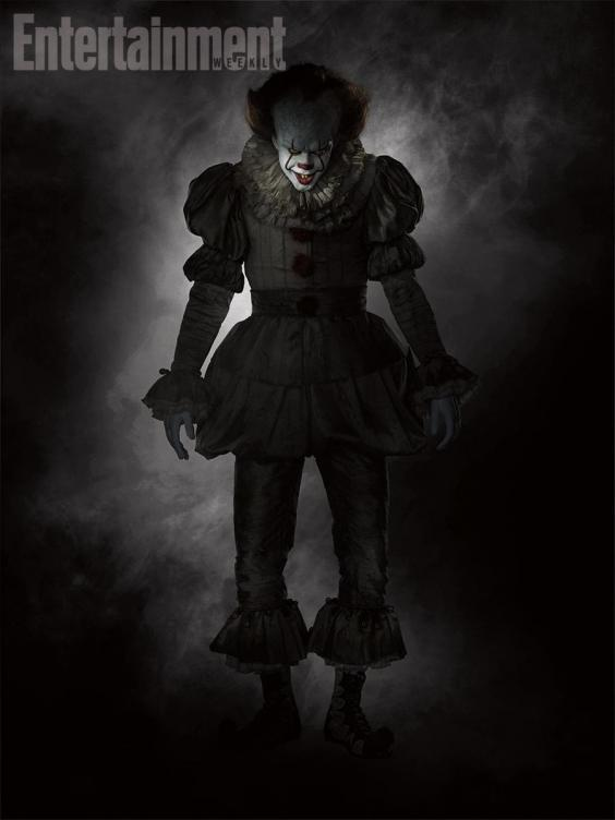 it first full unsettling look at pennywise the clown in stephen