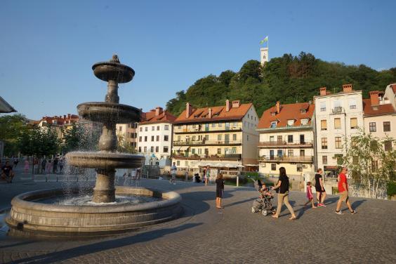 fontana-in-stara-ljubljana-3755-orig.jpg