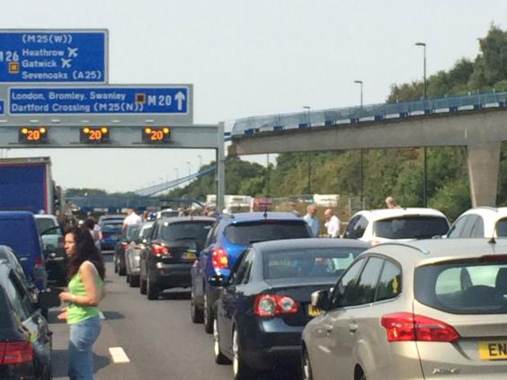 M20 bridge collapse: Motorway closed between junctions 2 and 4 after ...