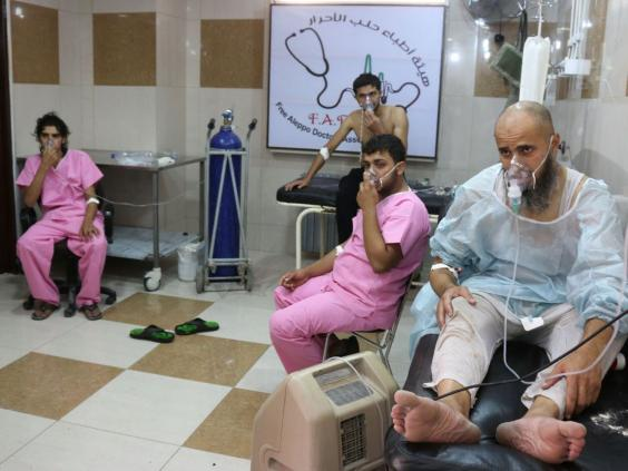 Airstrike kills 10 in area of suspected gas attack in Syria