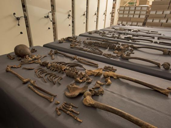 5-skeletons-found-to-contain-1665-great-plague-bacteria-244609.jpg