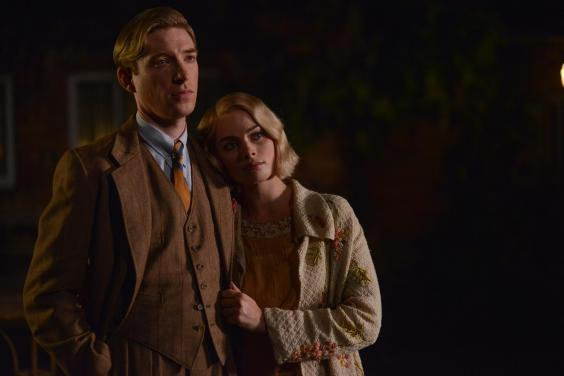 domhnall-gleeson-as-alan-milne-and-margot-robbie-as-daphne-milne-in-the-film-untitled-a-a-milne-photo-by-david-appleby-2017-fox-searchlight-pictures-2-.jpg