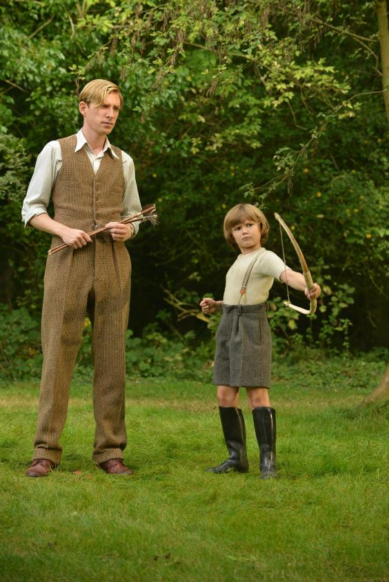 domhnall-gleeson-as-alan-milne-and-will-tilston-as-christopher-robin-milne-in-the-film-untitled-a-a-milne-photo-by-david-appleby-2017-fox-searchlight-pictures-2-.jpg