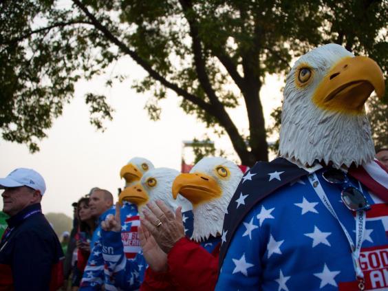 american-fans-1.jpg