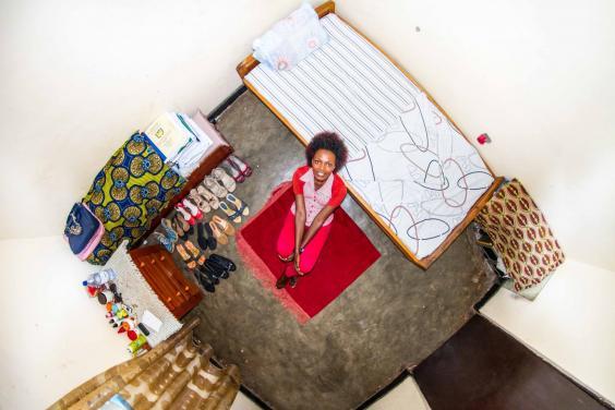 room915-josee-22ans-etudiante-en-comptabilite-kigali-rwanda.jpg