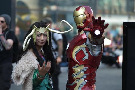 4. Loki and Iron Man  sc 1 st  indy100 : best costumes comic con  - Germanpascual.Com