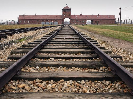 holocaust-3.jpg