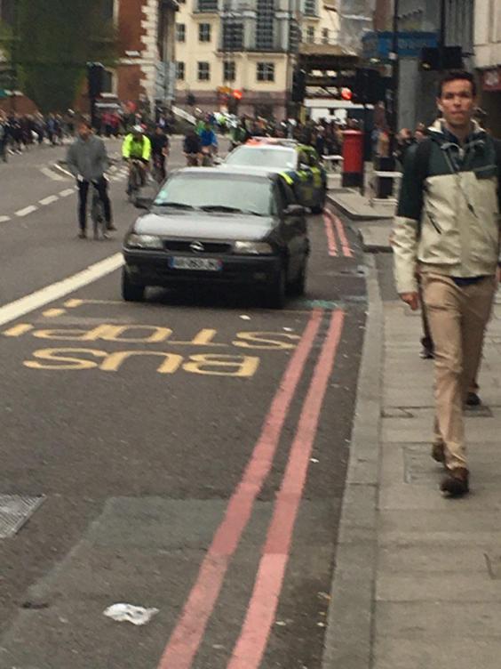 london-bridge-evacuated2.jpg