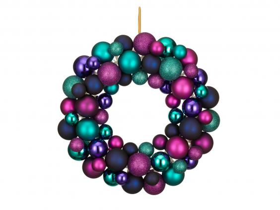 shangri-la-bauble-wreath-0.jpg