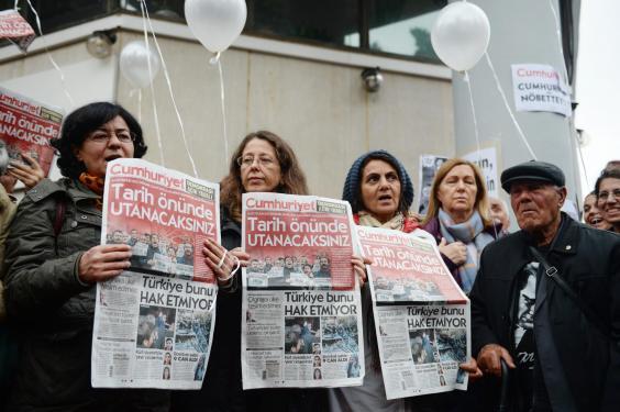turkey-journalists.jpg