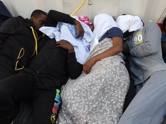 lizzie-migrants-3.jpg