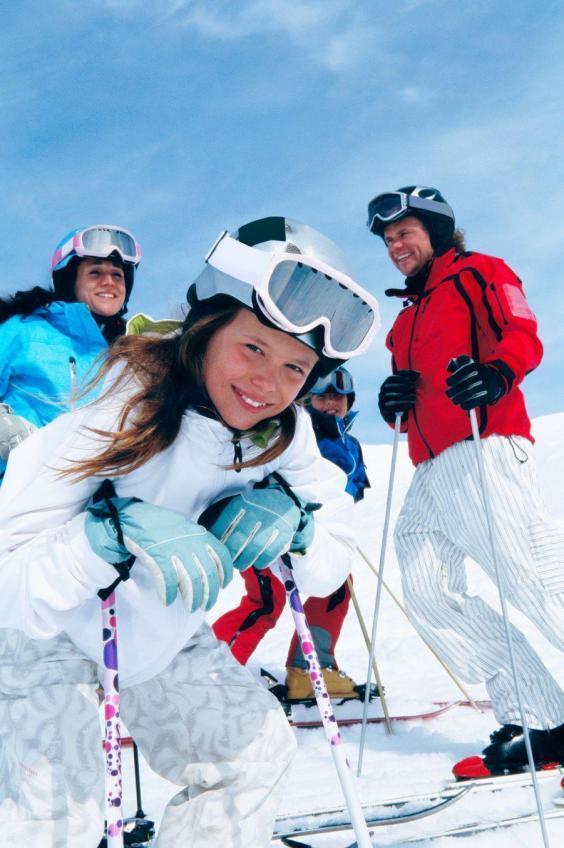family-skiing-saas-fee.jpg