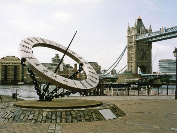 timepiece-sculpture-london.jpg