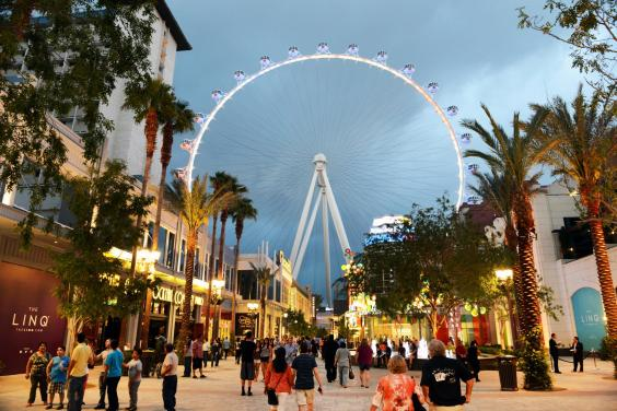 linq-and-high-roller.jpg