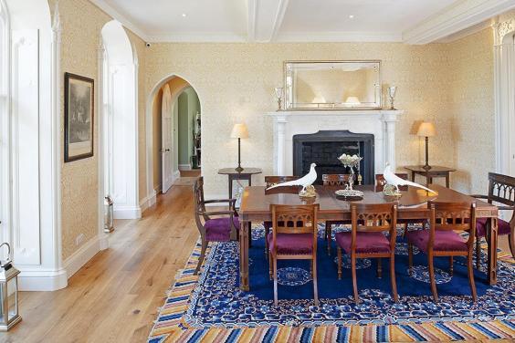 dining-room-landsacpe.jpg