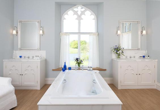 salamanca-bathroom-landscape-2.jpg