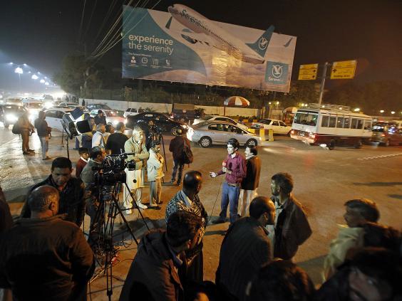 pakistan-plane-crash-4.jpg