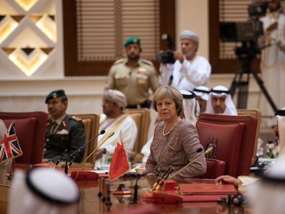 theresa-may-bahrain-8.jpg
