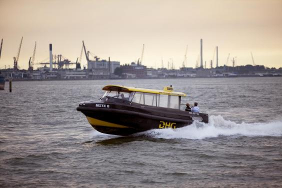 2010-watertaxi-213-mh.jpg