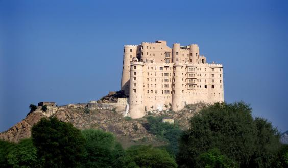 alila-fort-bishangarh-exterior-colour-2-min.jpg