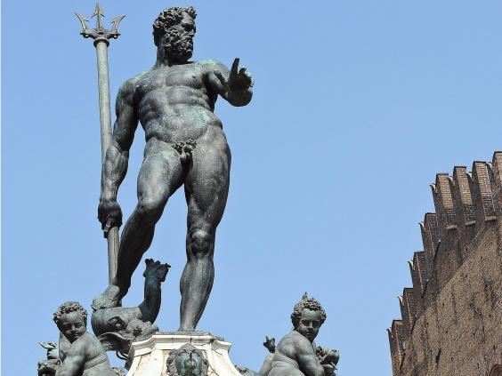 Facebook 'censors' naked statue of sea god Neptune