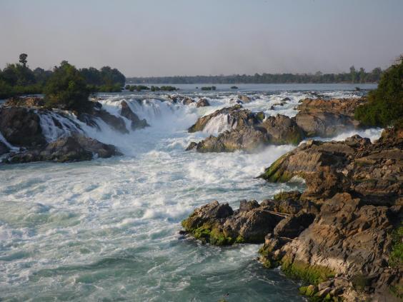 laoskhone-phapheng-falls-1.jpg
