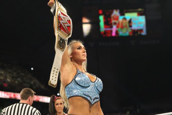 raw-womens-champion-charlotte-flair.jpg