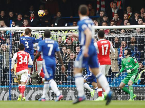 Chelsea vs. Arsenal goals: Petr Cech helps former team with mind-blowing blooper