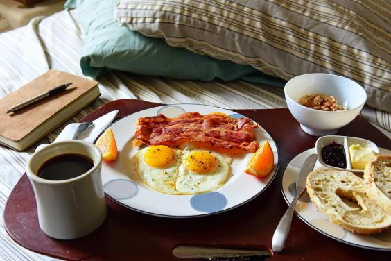 breakfast-in-bed-2.jpg