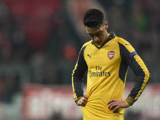 Mesut Ozil agent launches defence of under-fire midfielder