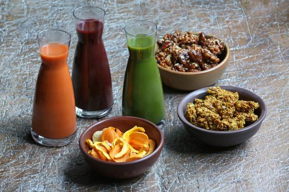 spa-culinary-menu-carrot-ginger-and-wheatgrass-elixirs-with-seasonal-fruits-nuts-and-grains-chef-victoria-acosta.jpg