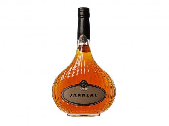 janneau-brandy-armagnac.jpg