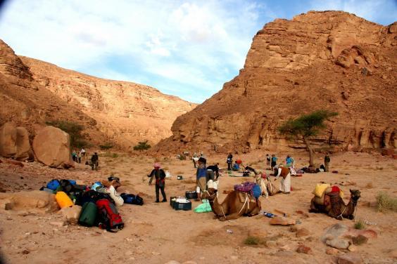 breaking-camp-ras-el-abrag.jpg