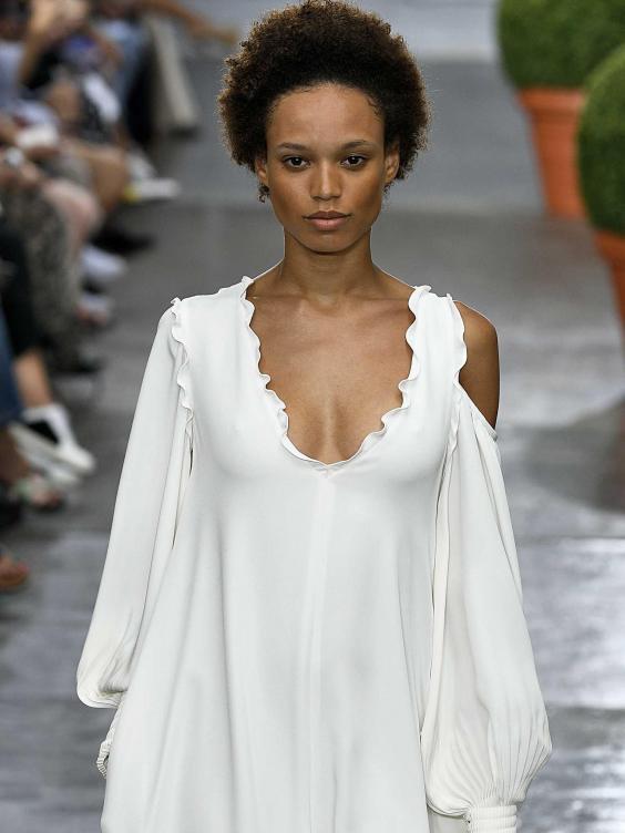 White dress fashion show