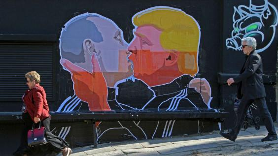 trump-putin-kiss.jpg