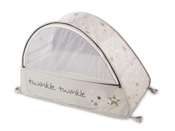 This Is A Pop Up Travel Cot Bassinette Aimed At Kids Aged Six To 18 Months The First Thing It Has Going For That Its Extremely Light Just 1kg