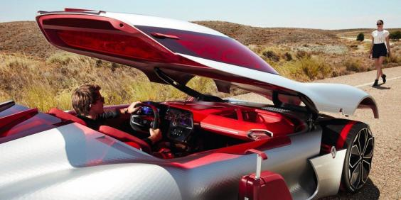 the-supercar-isnt-completely-impractical-though-in-fact-theres-a-storage-compartment-in-the-front-so-you-can-stow-your-luggage.jpg