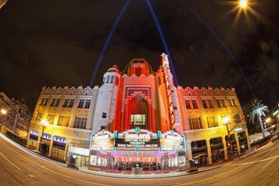 entertainment-fox-theater-exterior-hi-res-tom-tomkinson.jpg