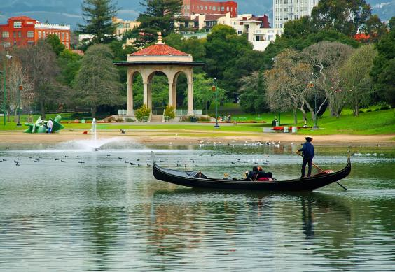 lake-merritt-gondolier-photo-by-jerry-ting.jpg