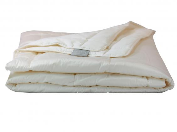 made from a fabric that really stands the test of time this innovative longlasting synthetic duvet reacts to you and