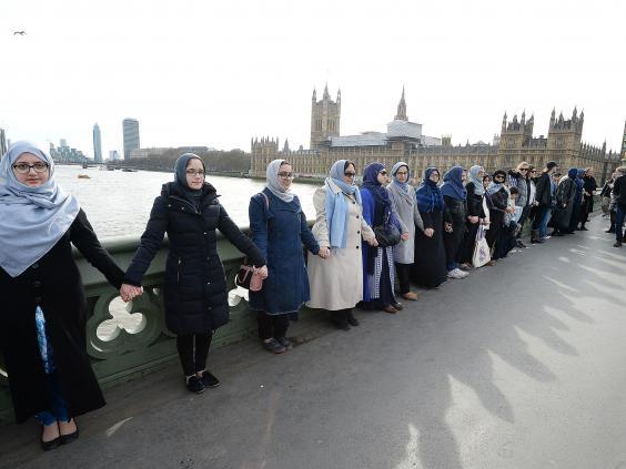 women-wetminster-bridge.jpg
