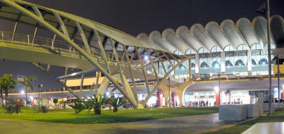 valenciaairport.jpg